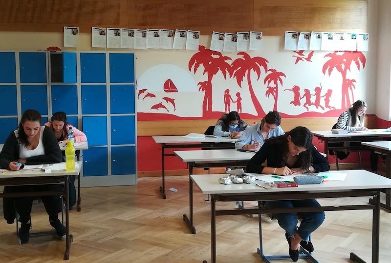Deutsch-Schularbeit im 5HTA Bergheidengasse in Zeiten von Corona