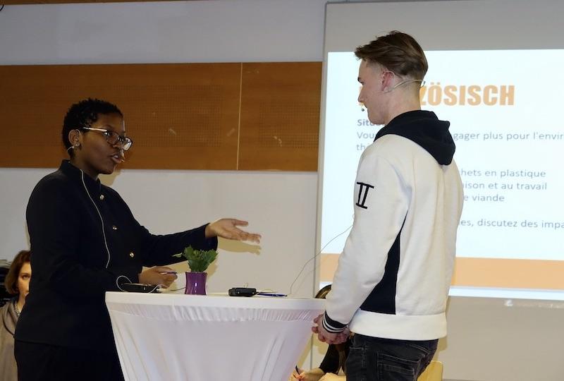 beim schulinternen Fremdsprachenwettbewerb